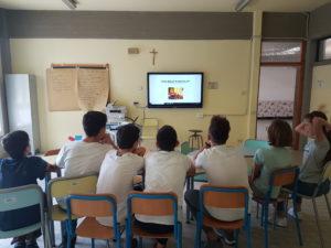 Classe durante attività in aula